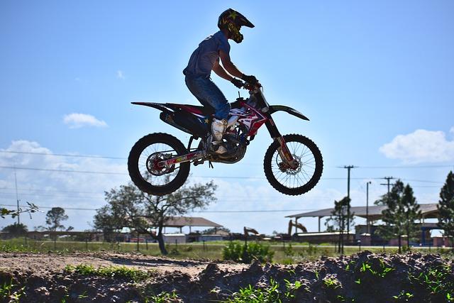 Le Dirt bike pour le sport et l'aventure