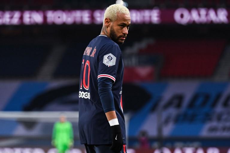 Un candidat à la présidence du FC Barcelone vise Neymar
