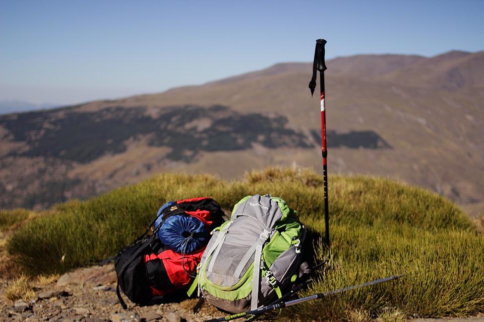 Quels sont les équipements de base pour une première randonnée ?