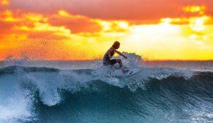 Quels cadeaux offrir à un homme passionné de surf